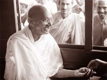 20 Mahatma Gandhi Inspirational Quotes about Human Nature and Life